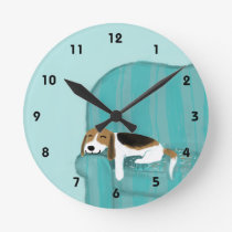 Happy Couch Beagle - Cute Dog Design Round Clock
