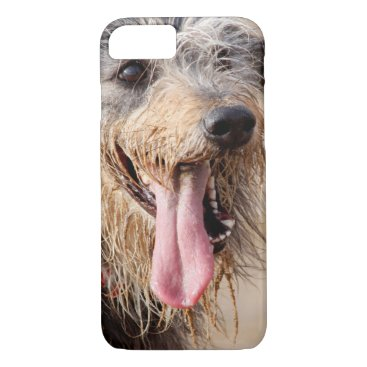 Beach Themed Happy dog on a beach iPhone 8/7 case