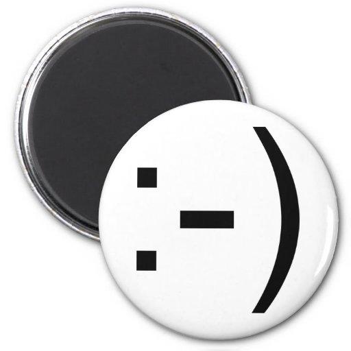 Happy face emoticon! 2 inch round magnet