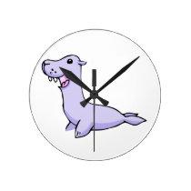 Happy Gray/Grey Cartoon Seal Facing to the Left Round Clock