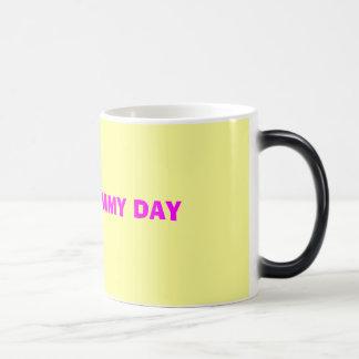 HAPPY MOMMY DAY MUGS
