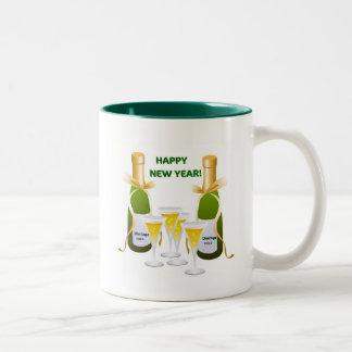 HAPPY NEW YEAR CHAMPAGNE CELEBRATION PRINT Two-Tone COFFEE MUG