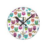 happy owls round clock
