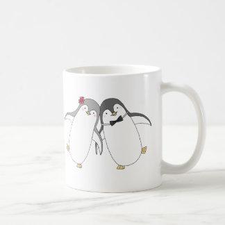 Happy Penguin Couple Cute Wedding Anniversary Mug