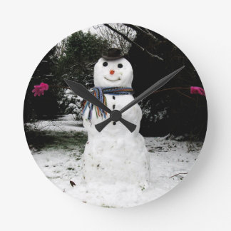 Happy Snowman, in hat scarf and gloves Round Clock