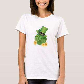 Happy St. Patrick's Day Cupcake T-shirt