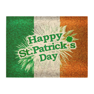 Happy St. Patricks Day Grunge Style Design Wood Wall Decor