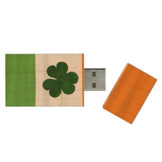 Happy St. Patrick's Day Lá Fhéile Pádraig Irish Wood USB Flash Drive