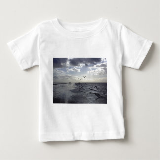 Hardy Walkers & Birds at the water's edge Tee Shirt