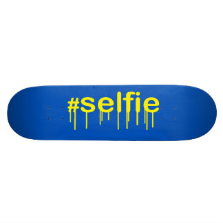 Hashtag Selfie Drooling on blue decor Skateboard