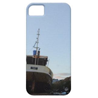 Hastings en la oscuridad con el barco de pesca iPhone 5 protectores