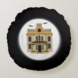 Haunted House, Full Moon Creepy Halloween Round Pillow