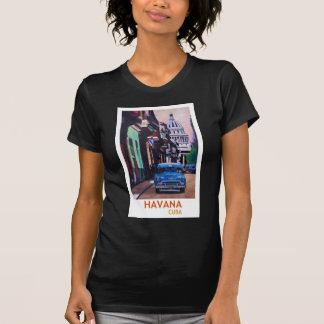 Havana in Cuba  - El Capitolo with oldtimer T-Shirt