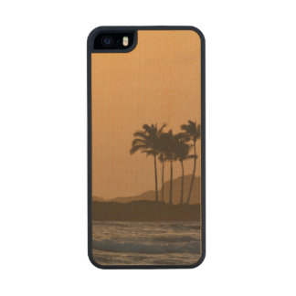 Hawaii Sunset Carved® Maple iPhone 5 Case