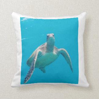 Hawaii Turtle Throw Pillows