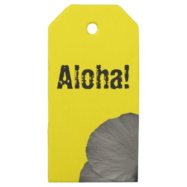 Beach Themed Hawaiian Dreams in Black and White Wooden Gift Tags