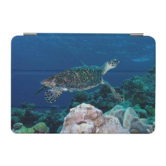 Hawksbill Sea Turtle on the Great Barrier Reef iPad Mini Cover