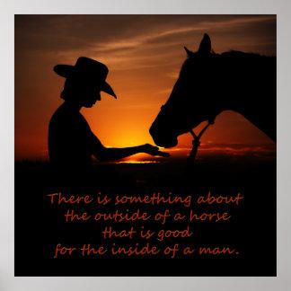 Hay algo sobre el exterior de un caballo póster