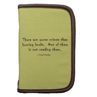 Hay crímenes peores que los libros ardientes organizadores