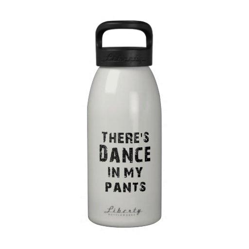 Hay danza en mis pantalones botallas de agua