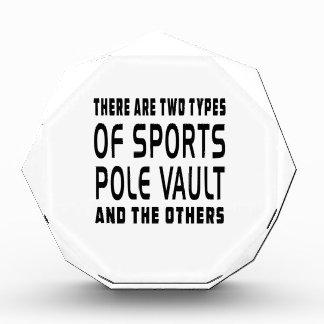 Hay dos tipos de salto con pértiga de los deportes