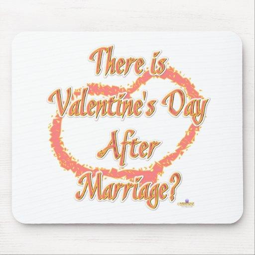 Hay el día de San Valentín después del corazón del Alfombrilla De Ratones