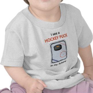 Hay un duende malicioso de hockey en mi futuro camisetas