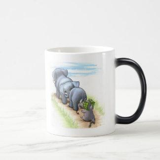 Hay un nuevo rinoceronte en taza Morphing del