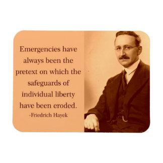 Hayek en emergencias iman rectangular