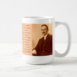 Hayek en la libertad taza básica blanca