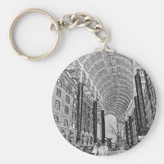 Hays Galleria London Sketch Basic Round Button Keychain