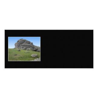 Haytor Rocas en Devon Inglaterra En negro Invitacion Personalizada