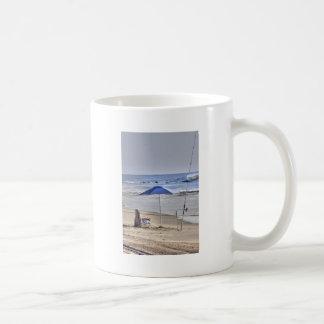 HDR Classic Beach Shot Fisbing Umbrella Sand Waves Coffee Mug