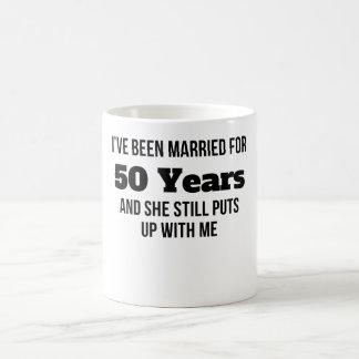 He estado casado por 50 años taza mágica