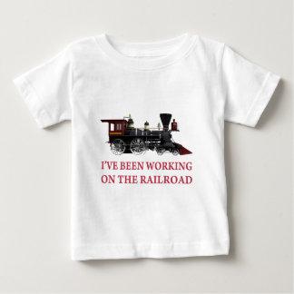 He estado trabajando en el ferrocarril playera de bebé