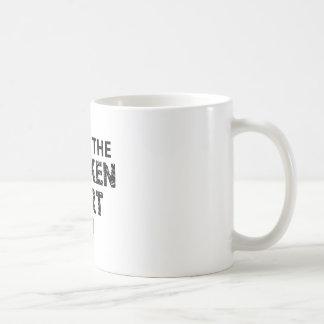 HE HEALS THE BROKEN HEART COFFEE MUG