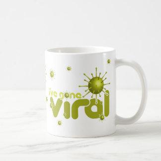 He ido viral - amarillo taza clásica