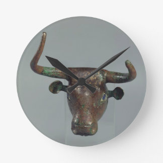Head of a bull, with Royal Sumerian inscription, m Round Clock