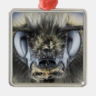 Head of bumblebee metal ornament