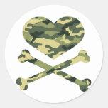 heart and cross bones light camo classic round sticker
