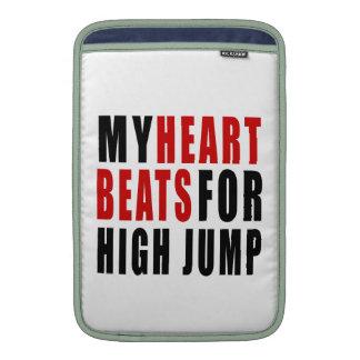 HEART BEATS FOR HIGH JUMP MacBook AIR SLEEVE