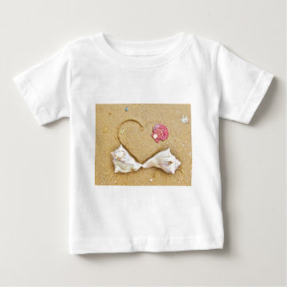 heart in the sand with shells infant t-shirt