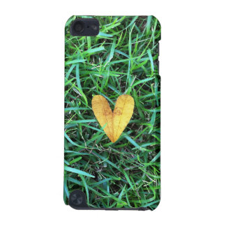 Heart Leaf on the grass iPod Touch 5G Cover
