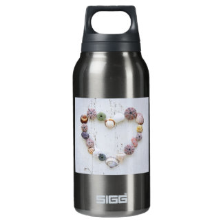 Heart of seashells and rocks insulated water bottle