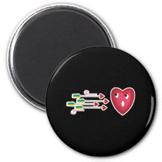 heart scared of arrows 2 inch round magnet