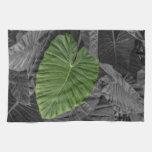 Heart Shaped Green Leaf Hand Towel