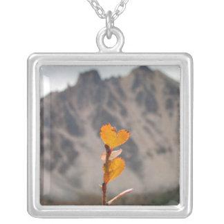 Heart-Shaped Leaf Square Pendant Necklace
