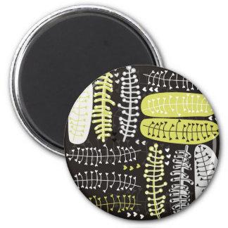 heart shaped leaves gray black green on dark magnet