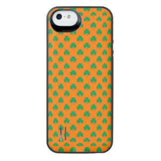Heart-Shaped Shamrock Green on Orange St.Patrick's Uncommon Power Gallery™ iPhone 5 Battery Case