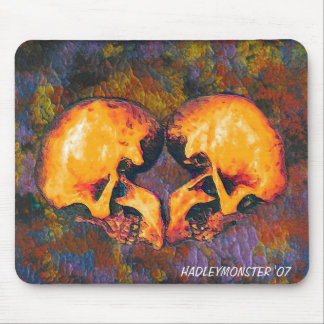 HEART SKULLS MOUSE PAD